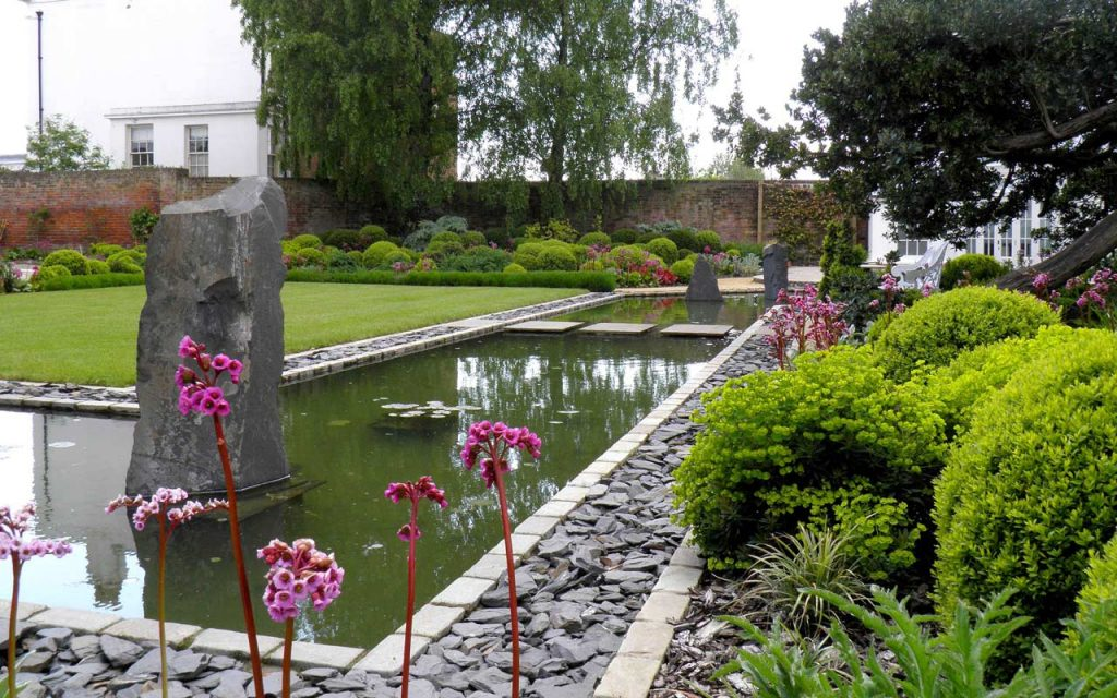 BALI Award garden with large pond